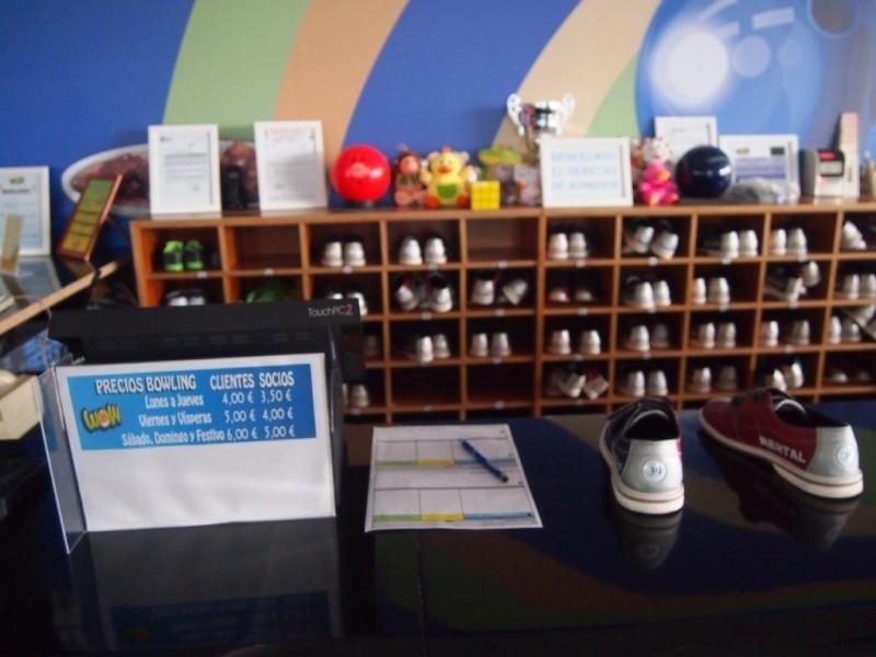 WOW Bowling Cafe valoraciones